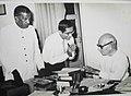 श्री के.एम्.मुन्शी (भुतपुर्ब राज्यपाल उत्तर प्रदेश) के साथ.jpg