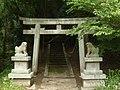 宇陀市菟田野大澤 宗像神社の鳥居 Munakata-jinja, Utano-Ōsawa 2011.6.03 - panoramio.jpg
