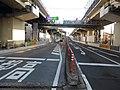 高速1号羽田線の羽田入口(左側)と羽田出口(右側).jpg