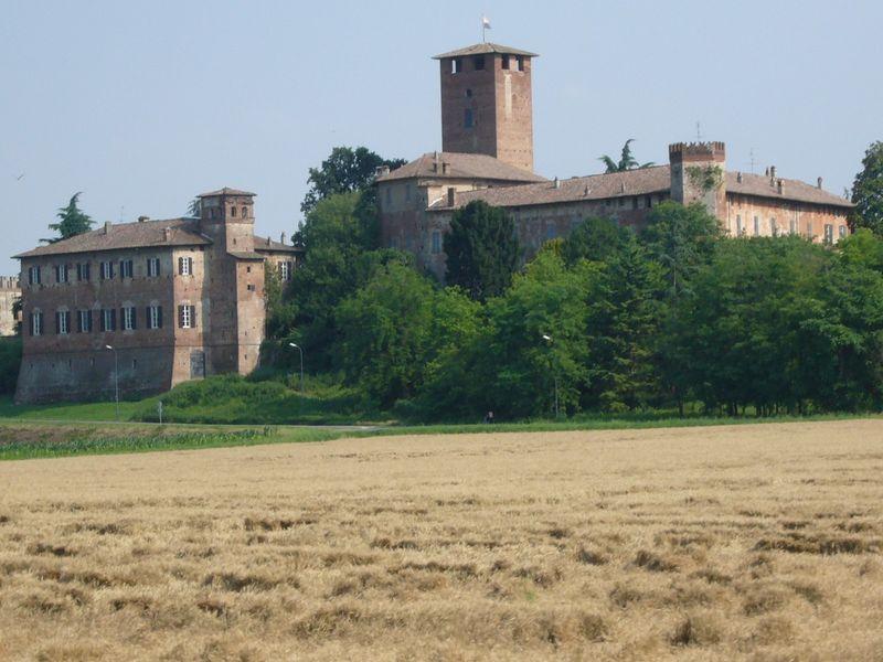 The Sarmato Castle