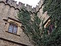 011 Castell de Santa Florentina (Canet de Mar), façana est, finestres conopials i merlets.JPG