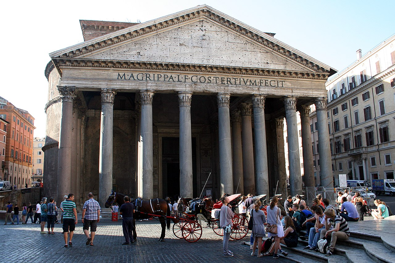 0 Pantheon - Piazza della Rotonda - Rome (1a).JPG