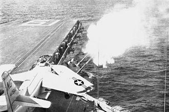 """5""""/54 caliber Mark 42 gun - Image: 127 mm guns aboard USS Ranger (CVA 61) firing c 1961"""