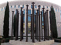 129 Columnes del vapor Albinyana, rere la seu de Caixa Terrassa.jpg