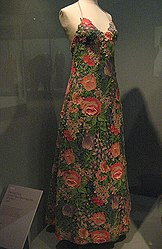 Haute couture wikipedia for What does couture mean in french