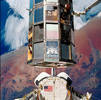 STS-32 - Columbia retrieves the Long Duration Exposure Facility