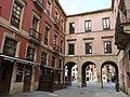 199 Calle de San Bernardo i porxos de la Plaza Mayor (Gijón).jpg