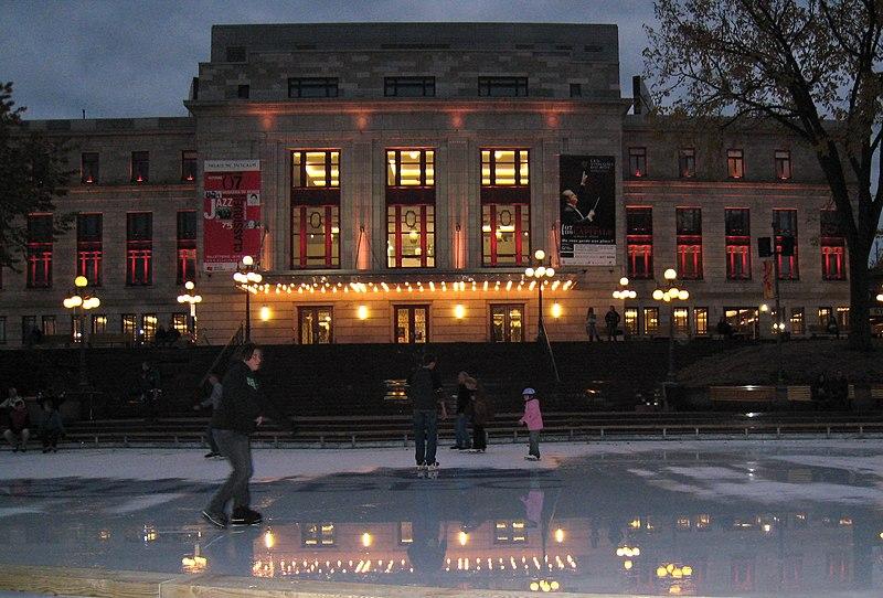 Datei:2007 Palais Montcalm 01.jpg