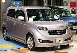Toyota bB - Image: 2008 Toyota b B 01