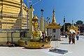 2016 Rangun, Pagoda Botahtaung (53).jpg