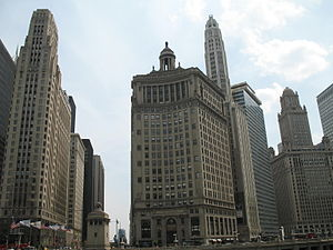 London Guarantee Building - The London Guarantee Building.  Behind it is Mather Tower, to the left is 333 North Michigan, and to the right is 35 East Wacker. View looking south from across the Chicago River.