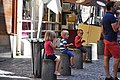 3 children rue du Gros Horloge, Rouen.jpg