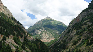 San Juan Skyway - Mountains above Ouray