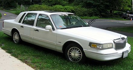 Lincoln town car wikiwand 1995 1997 lincoln town car cartier edition sciox Image collections