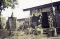 ASC Leiden - van Achterberg Collection - 1 - 088 - Un magasin avec des objets traditionnels - Bamenda, Cameroun - 6-12 février 1997.tif