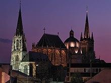 La Cattedrale di Aquisgrana e la torre gotica di Sankt Foillan.