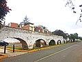 Acueducto de la antigua hacienda de Villa 2.jpg