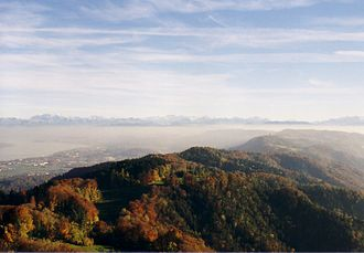 Albis - The Albis chain as seen from the Uetliberg, looking southeast. In the background left the Glärnisch.