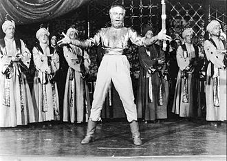 Kismet (musical) - Alfred Drake as Hajj, 1954