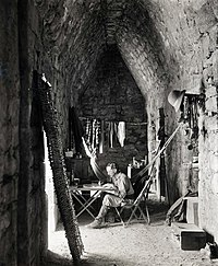 Alfred Percival Maudslay (Chichen Itza, 1889).jpg