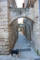 Alley in Medieval Rhodes 2010 5.jpg
