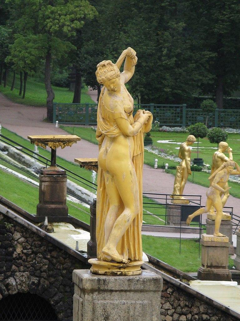 Статуя афродиты фото
