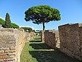 Area archeologica di Ostia Antica - panoramio (53).jpg