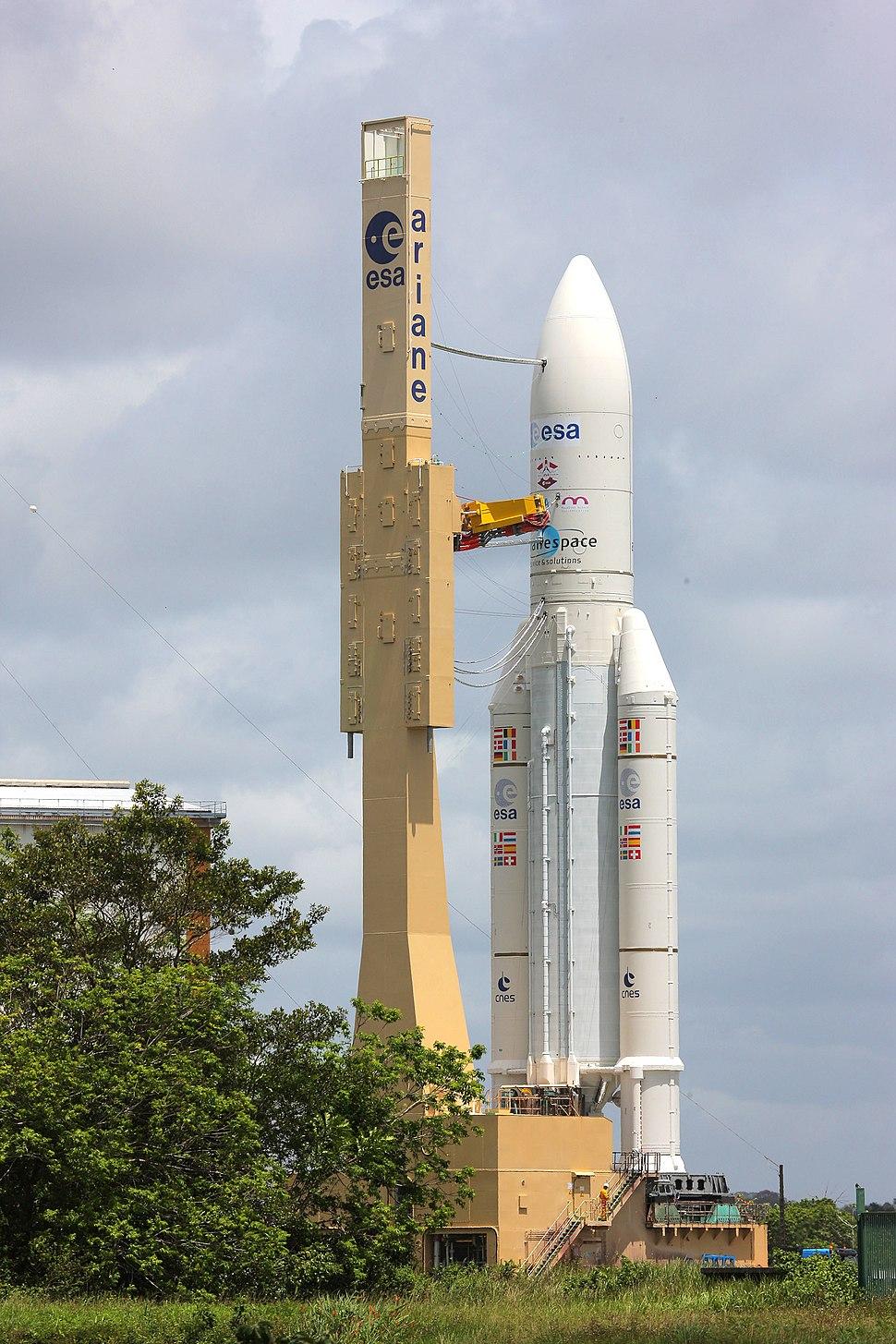 Ariane 5ES with ATV 4 on its way to ELA-3