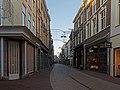 Arnhem, de Vijzelstraat met diverse monumentale winkelpanden foto6 2016-01-17 09.28.jpg