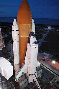 Atlantis upright, August 29, 2006.jpg
