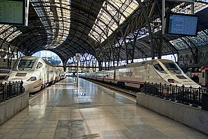 Barcelona França railway station - Some of the platforms