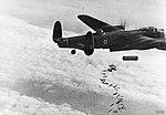 Avro Lancaster 4000-lb HC bomb.jpg