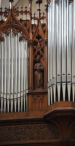 Bad Urach St Amandus Orgel 01c.jpg