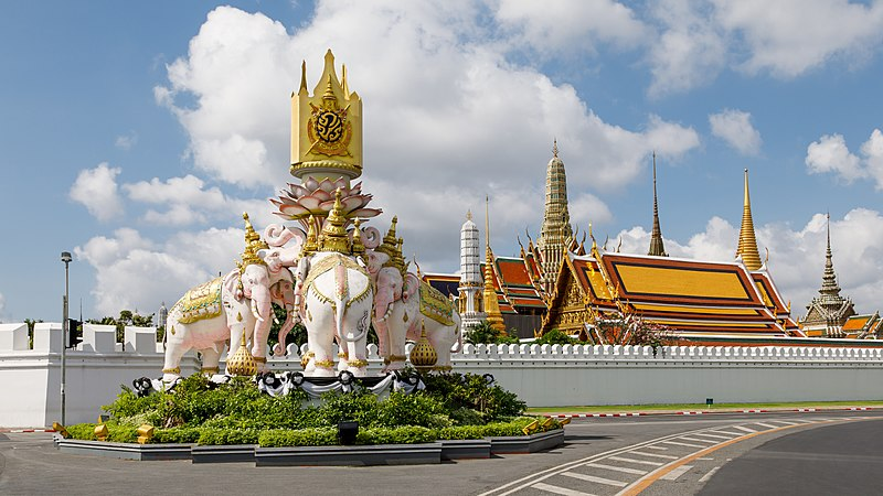 File:Bangkok Thailand Pink-Elephant-Statue-01.jpg