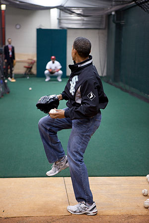 President Barack Obama warms up with St. Louis...
