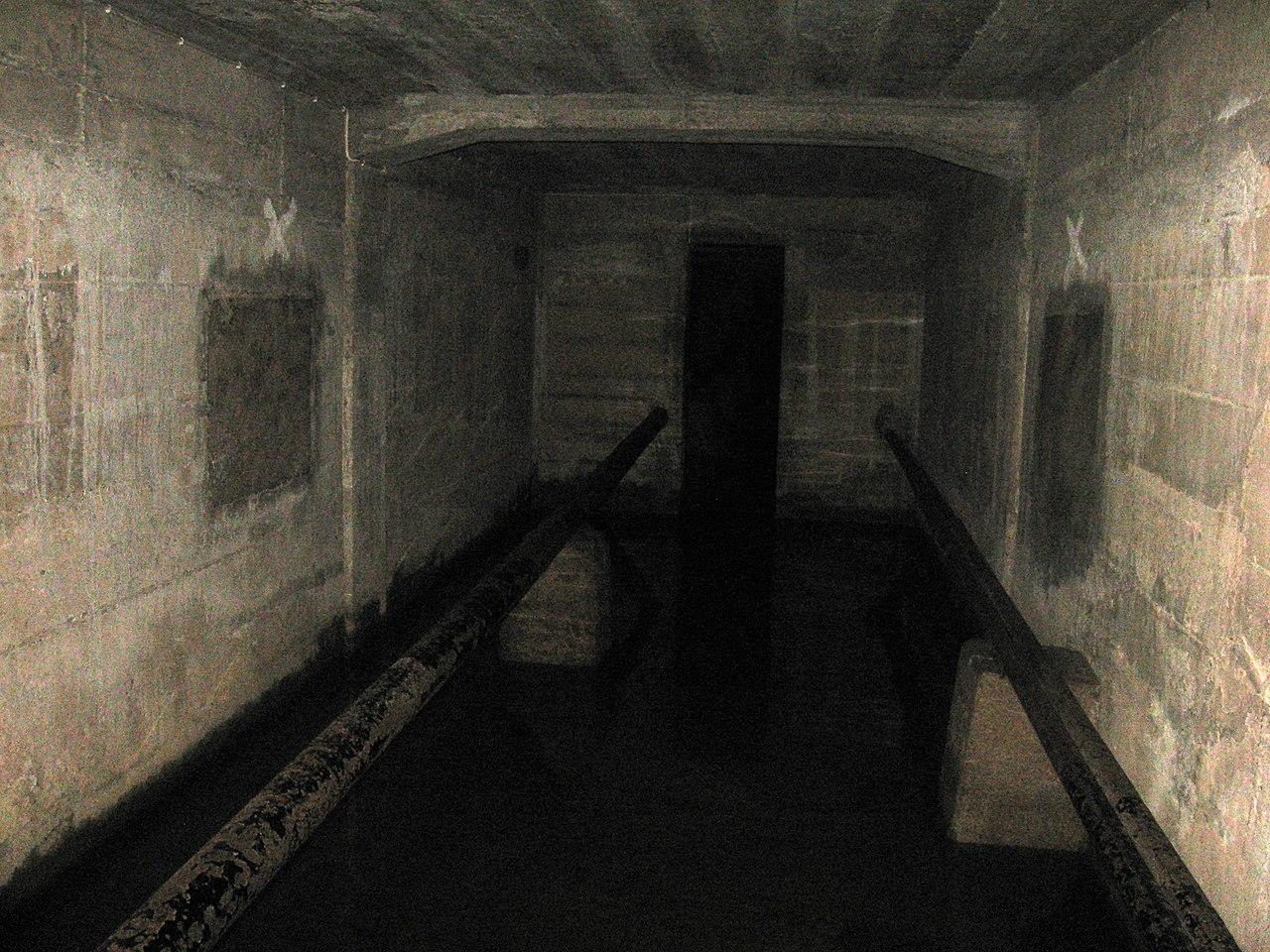 File basement of lawang sewu 2011 jpg wikimedia commons for Basement 3