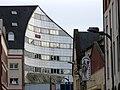 Beauvais façade courbe.jpg