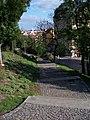 Bezručovy sady, schody nad Francouzskou, pohled k Vršovicím.jpg