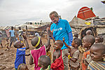 Bjørn Kjos with children in Bangui.jpg