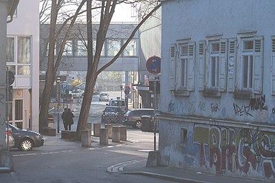 Blick in die Wöhrdstraße von der Karlstraße in Tübingen.jpg