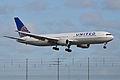 Boeing 767-322ER 'N654UA' United Airlines (14007114522).jpg