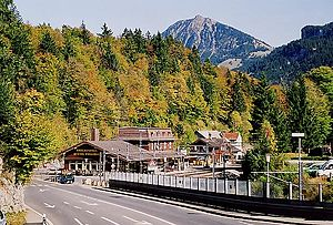 Brünig Pass - View of the pass, showing the railway station