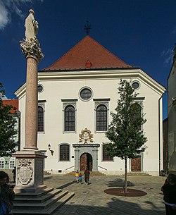 Bratislava Františkánské náměstí jezuitský kostel 1.jpg