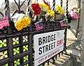 Bridge Street Westminster Flowers, 27 March 2017 (33301154450).jpg