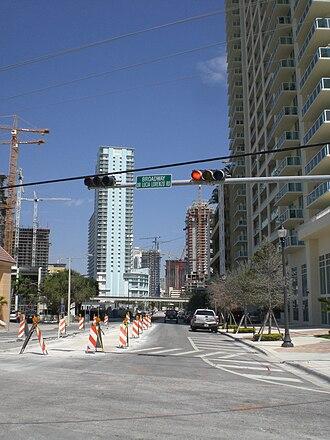 Miami Avenue - Image: Broadwaymiami