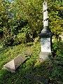 Brockley & Ladywell Cemeteries 20191022 140016 (48946893037).jpg