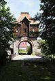Budynek bramny pałacu Krobielowice. Foto Barbara Maliszewska.JPG