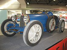 Photo d'une Bugatti Type 37 statique.