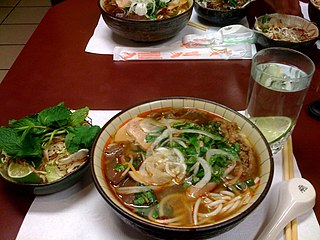 <i>Bún bò Huế</i> Vietnamese beef and noodle soup