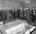 Bundesarchiv Bild 183-F1113-0205-004, Sowjetunion, DDR-Delegation besucht Atomkraftwerk Nowo Woronesh.jpg